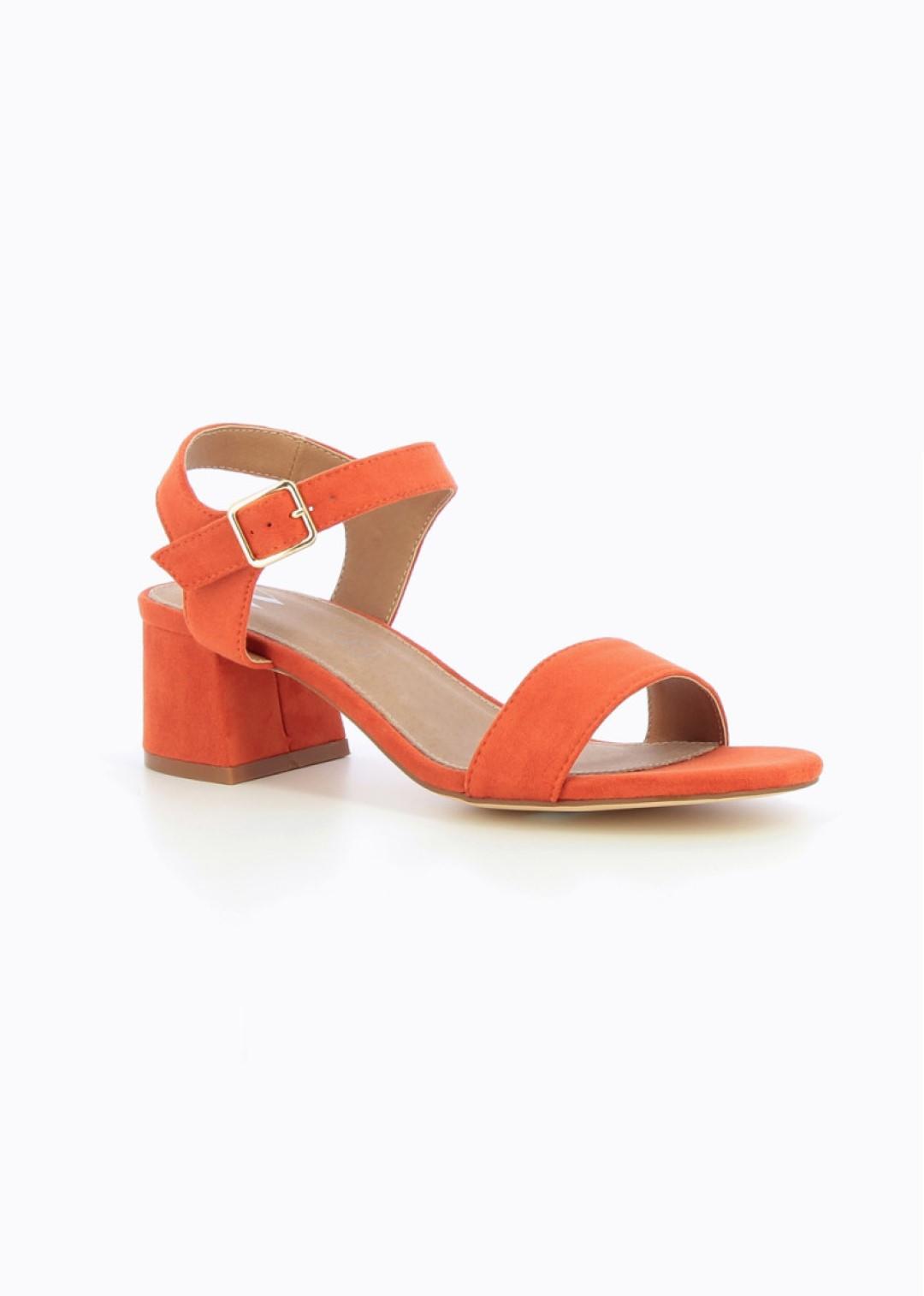 Sandales orange à petit talon épais