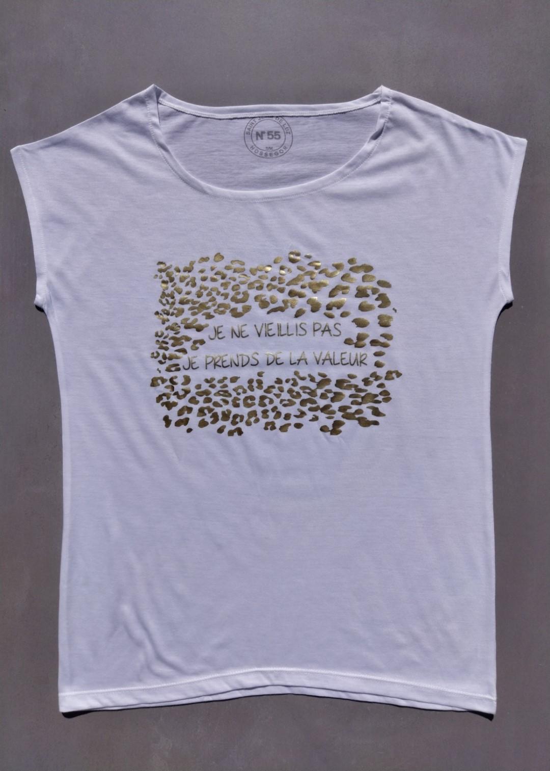 Tee shirt blanc N°55 je ne vieillis pas je prends de la valeur or.