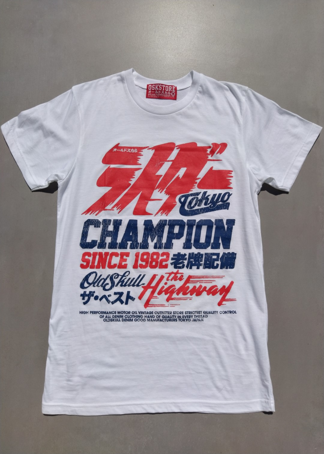 Tee shirt blanc Oldskull Champion Tokyo.