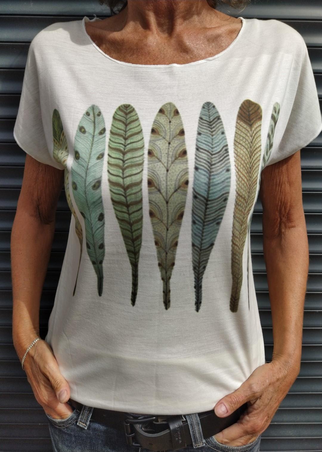 Tee shirt naturel N°55 7 plumes.